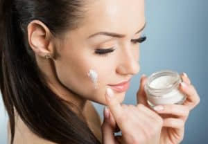Best-Medicinal-Creams-To-Treat-Pimples